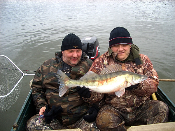 Клев рыбы в астрахани в октябре